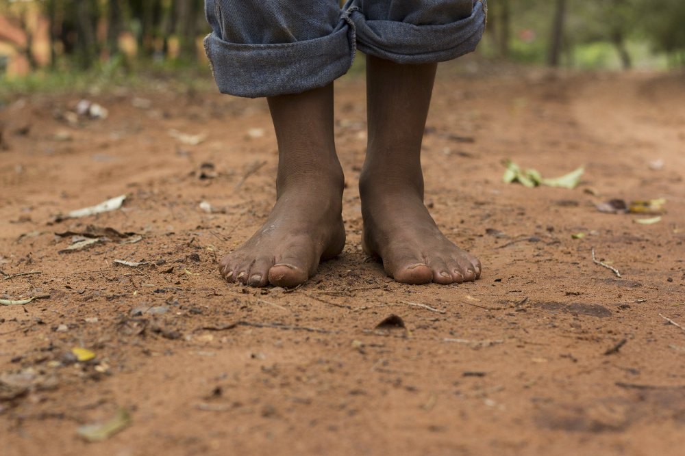 Why Children And Adults Should Go Barefoot More