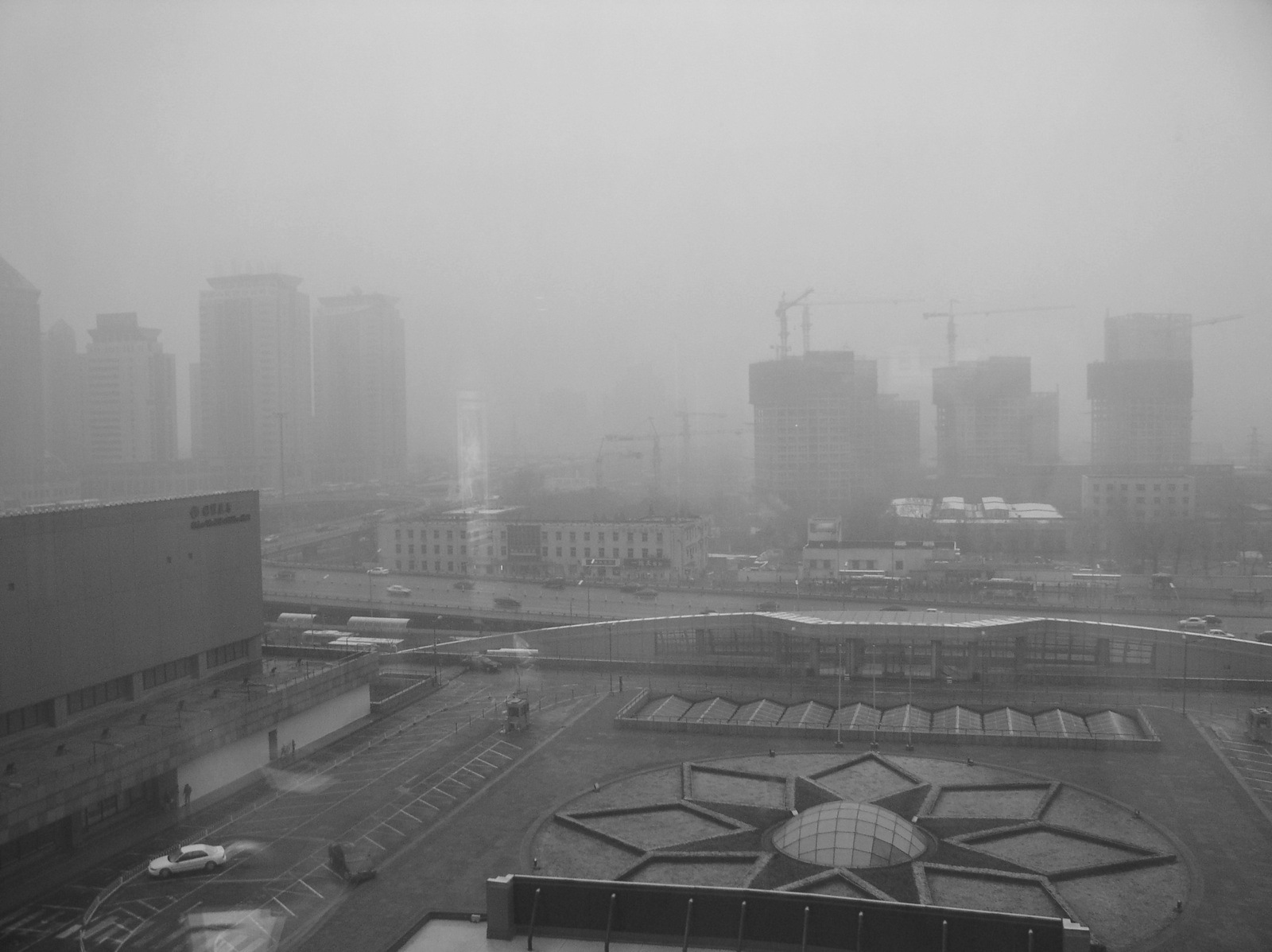 china pollution cars cause major air problems in chinese cities China suffered its worst air pollution of the year recently more than 70 chinese cities released warnings to citizens in the last few days about pollution reaching dangerous levels.