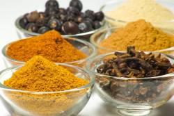 Ground and whole spices used in curry seasoning
