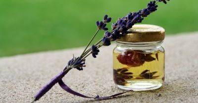 essential oil tincture of rose and lavender