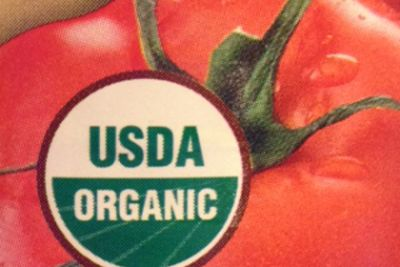 USDA organic seal on a tomato can