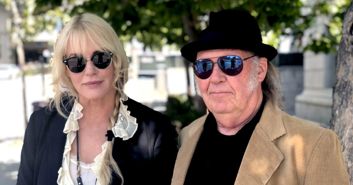 Neil Young And Daryl Hannah At Monsanto Roundup Trial